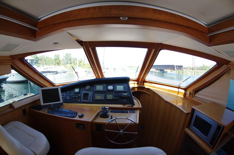 Photo 93 of 95 - 2003 Dover Craft 42 Pilot House for sale