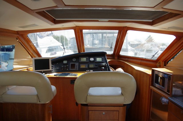 Photo 35 of 95 - 2003 Dover Craft 42 Pilot House for sale