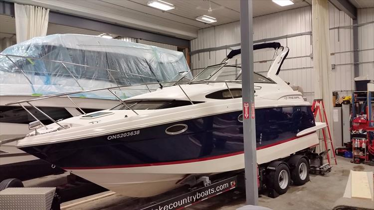 Photo 1 of 49 - 2016 Regal 30 Express for sale