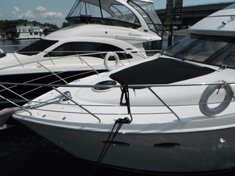 Photo 9 of 124 - 2000 Carver 530 Voyager for sale