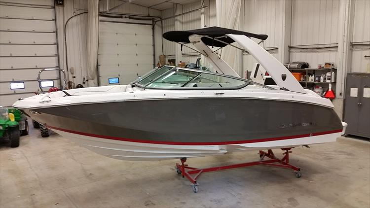Photo 30 of 30 - 2018 Regal 22 Fasdeck for sale