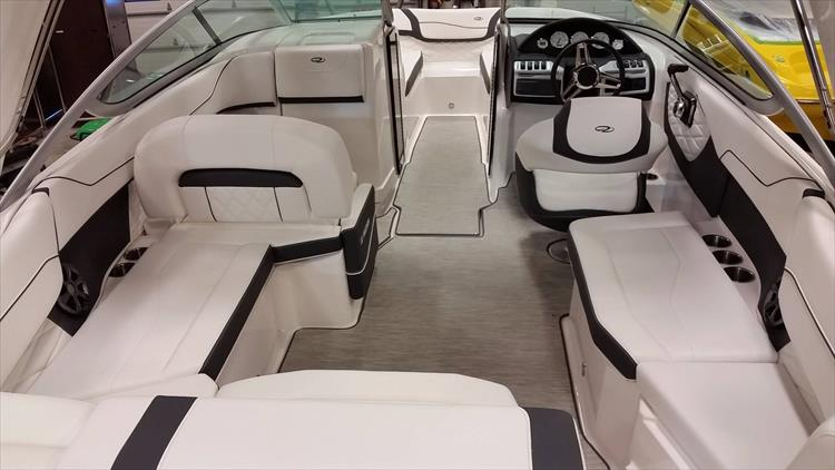 Photo 7 of 30 - 2018 Regal 22 Fasdeck for sale