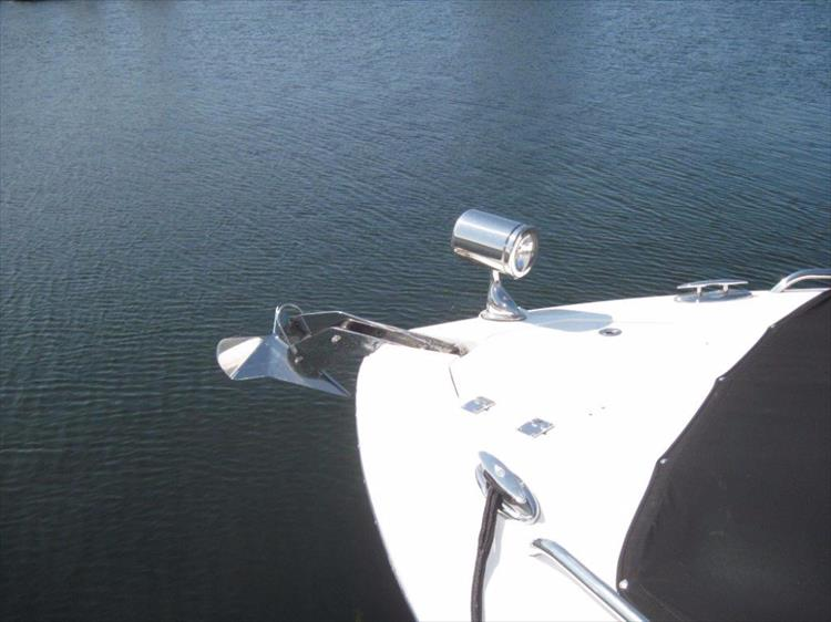 Photo 10 of 68 - 2012 Chaparral 327 SSX for sale