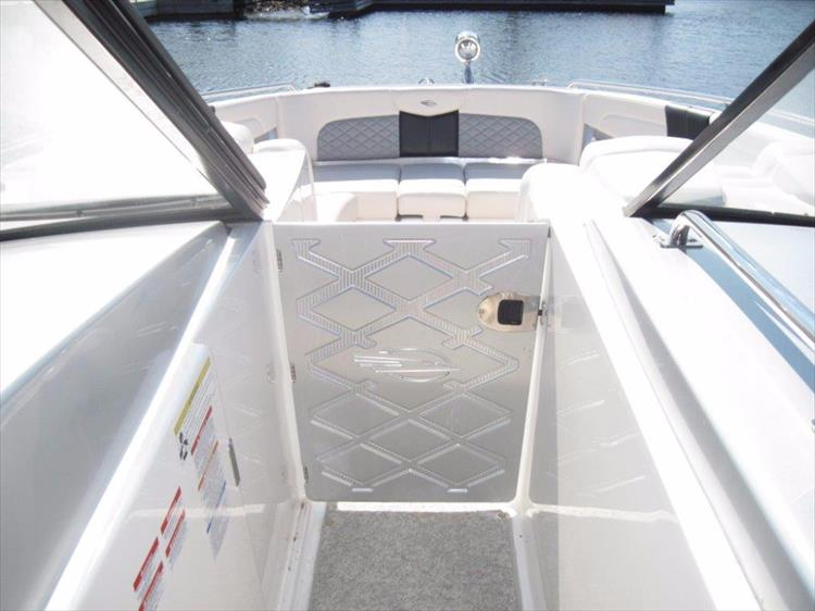 Photo 34 of 68 - 2012 Chaparral 327 SSX for sale