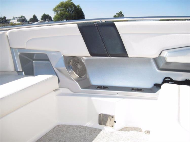 Photo 40 of 68 - 2012 Chaparral 327 SSX for sale