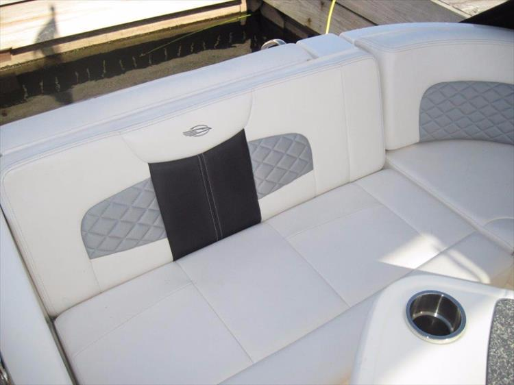 Photo 26 of 68 - 2012 Chaparral 327 SSX for sale