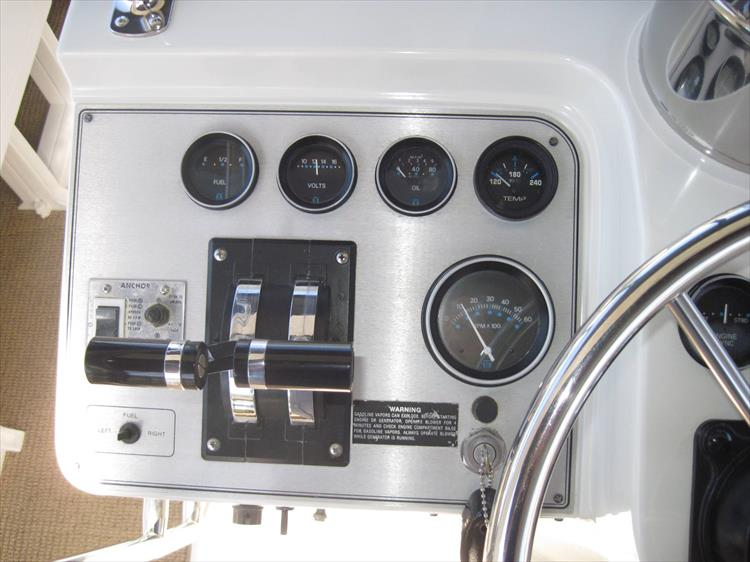 Photo 10 of 54 - 1988 Carver 4207 Aft Cabin Motor yacht for sale