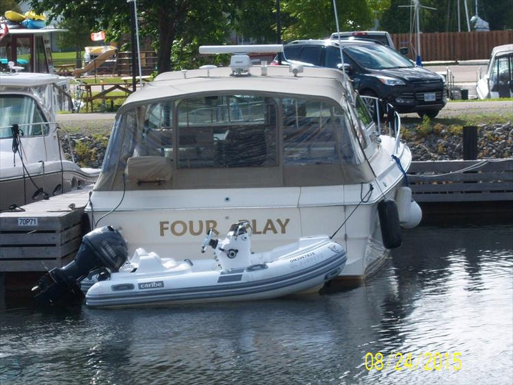 Photo 11 of 52 - 1985 Sea Ray 390 Express for sale