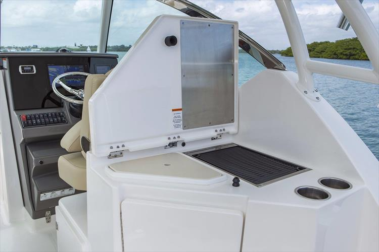 Photo 7 of 34 - 2017 Pursuit DC295 Dual Console for sale