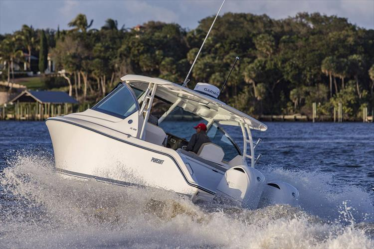 Photo 32 of 34 - 2017 Pursuit DC295 Dual Console for sale
