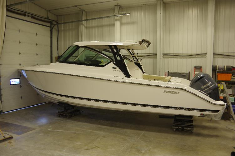 Photo 3 of 34 - 2017 Pursuit DC295 Dual Console for sale