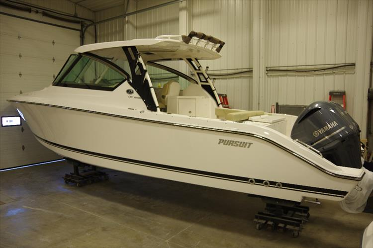 Photo 4 of 34 - 2017 Pursuit DC295 Dual Console for sale